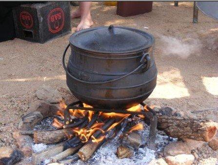 Potjie pot. Photo: www.alibaba.com