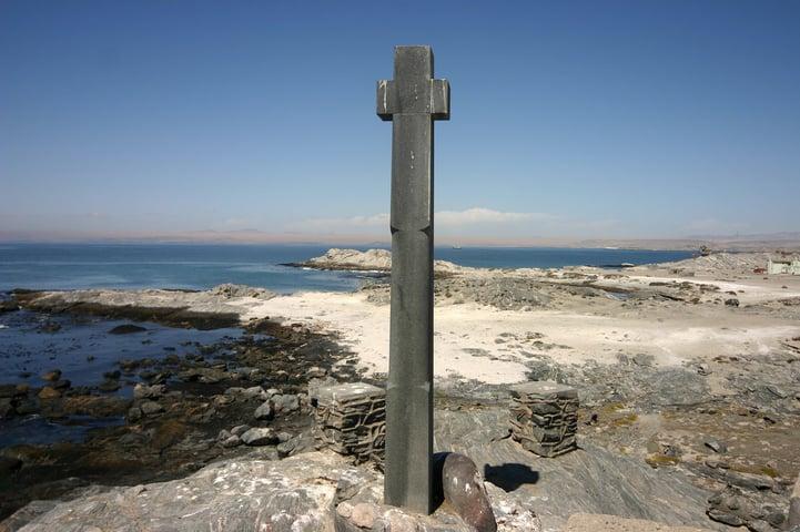 Bartolomeu Dias erected a stone cross at Lüderitzbucht in 1488.
