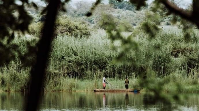 Canoe river crossing