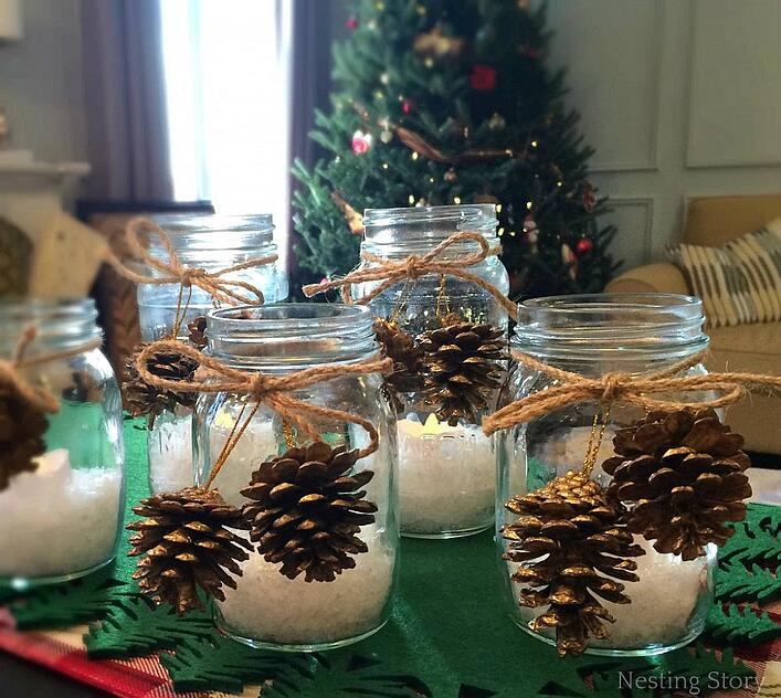 Stylish-Mason-Jar-Christmas-Candles-with-Pine-Cone-ornaments
