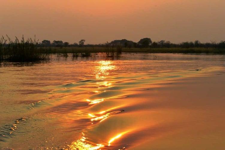 Sundownerfahrt auf dem Kwando 3732
