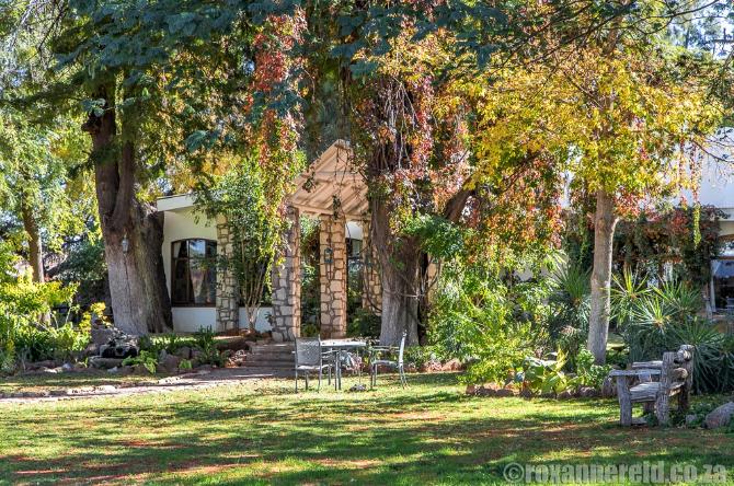 Kalahari Farmhouse: a relaxing oasis in the Kalahari, Namibia